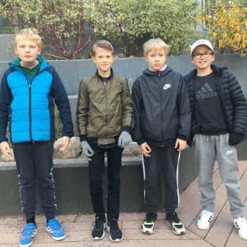 """""""Naturgalna kan gå ut och plocka svamp"""" - Elever i Granhultsskolan i Grankulla firar höstlov i lugna tecken"""