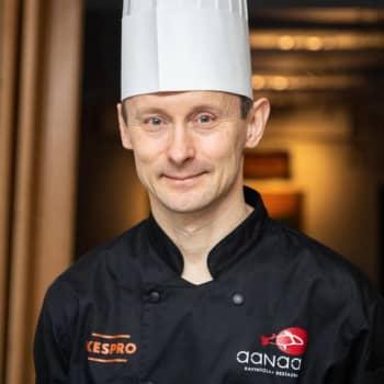 Anarâš kokkâ Heikki Nikula oovdâst Suomâ já Säämi Kanadast
