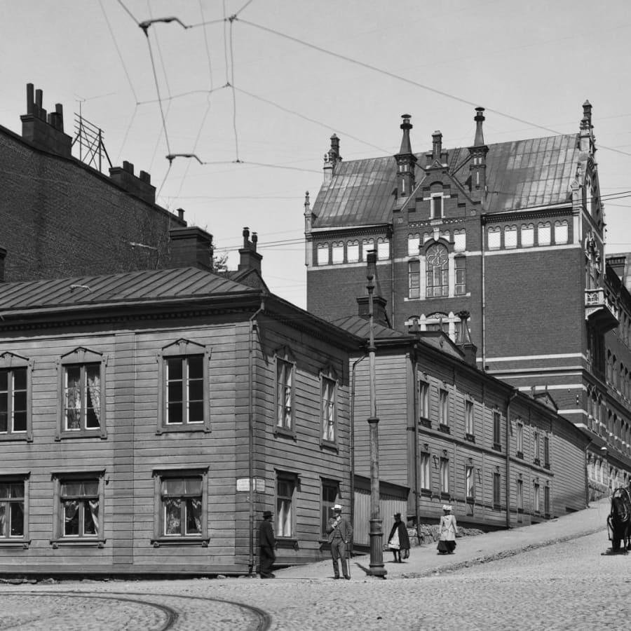 Efternamn för män, färre gator efter kvinnor - så här syns kön i Helsingfors namnbestånd