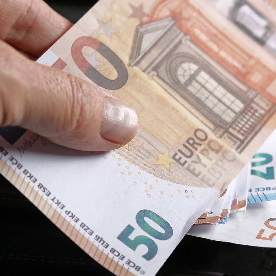 Kovien odotusten budjettiriihi - valtiovarainministeri Vanhanen: Tärkeää pitää yllä ihmisten ja yritysten luottamusta