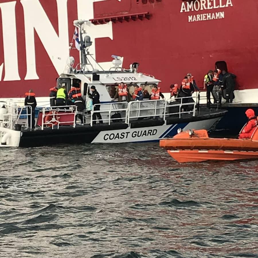 Amorella har minut-tidtabell och marginalerna i trånga farleder är små - hur riskabel är rutten mellan Åbo och Stockholm?