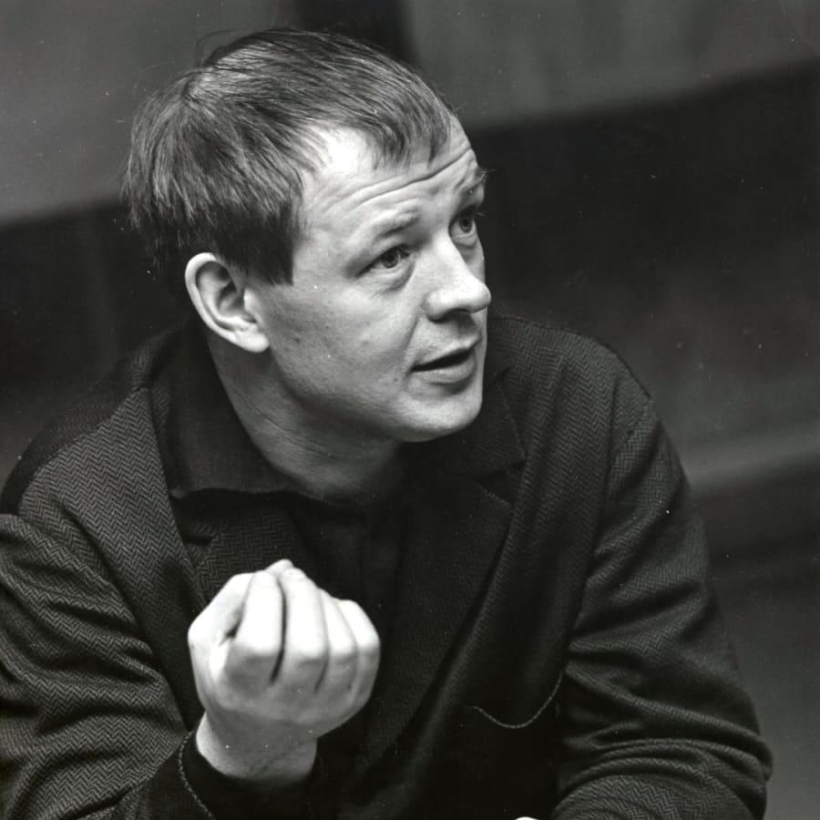 Röda resor - om Allan Wallenius äventyr i exil efter inbördeskriget. Del 2/2