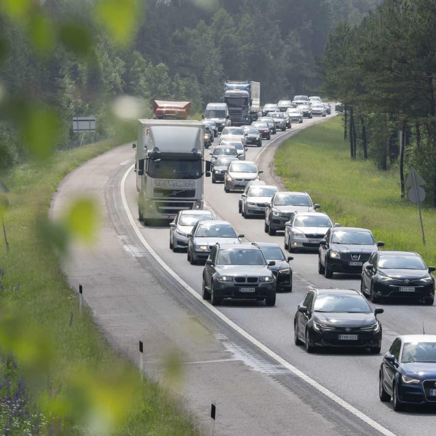 Arbetsgrupp vill höja bensin- och dieselskatten - och gynna dem som skaffar elbil