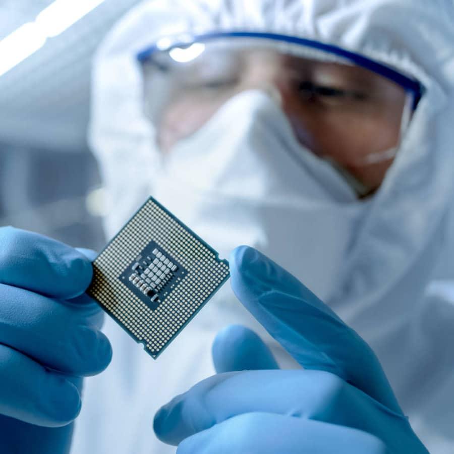 Skriande brist på halvledare och mikrochip för tillfället – svårare att få tag på allt från bilar till hemelektronik