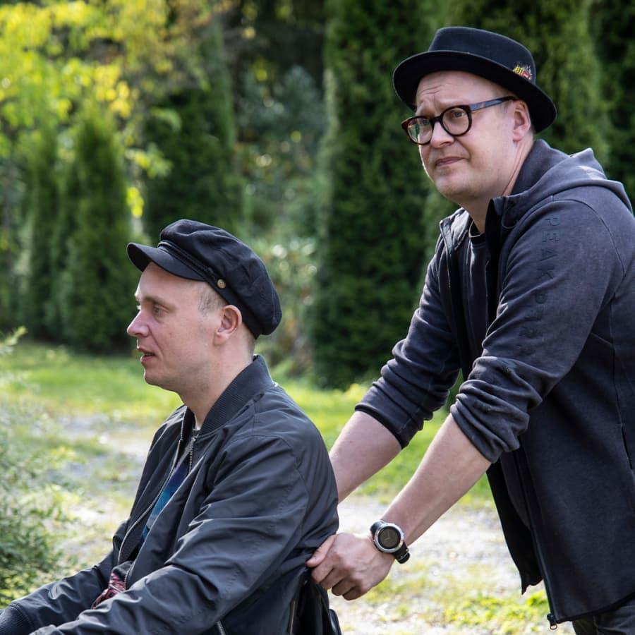 Armeijakaverukset Nikki ja Poikolainen tekivät koskettavan elokuvan sokean ihmisen näkökulmasta elämään