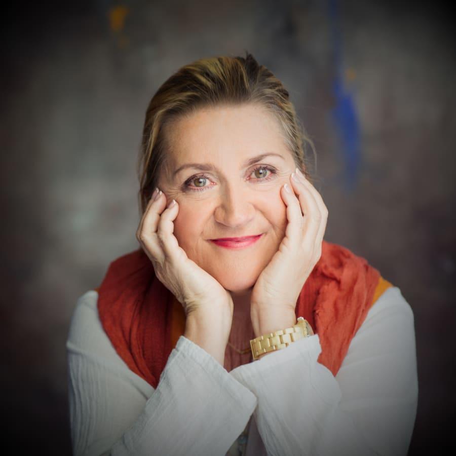 """Anja Snellman 40 vuotta kirjailijana - """"Nykyfeminismi tuntuu hämmentävältä, vaikeatajuiselta ja historiattomalta"""""""