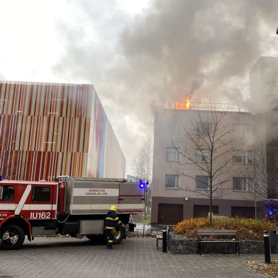 Höghus i Borgå brinner