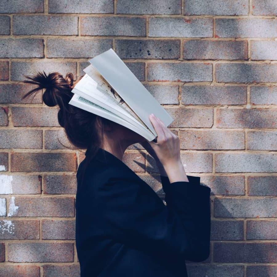 Att läsa är nödvändigt - men vem bryr sig om dem som inte läser?