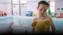Avsnitt 5: Kasper och Petra simmar