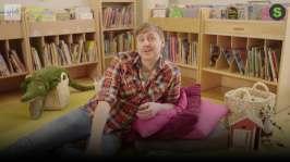 BUU-Staffan: Staffan på biblioteket.