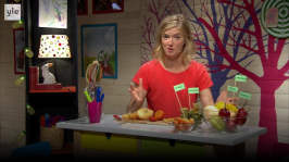 BUU-Lisa: Lisa äter exotiska frukter!