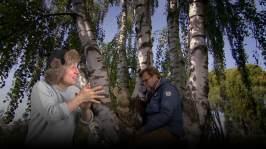 Jyrki och Neponen klarar skivan (tolkas till finskt teckenspråk)