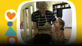 Elsa ja mumma leipovat yhdessä mustikkapiirakkaa ja pohtivat, mitä rakkaus tarkoittaa. Rakastaako jokaista joku? Pikku Kakkosen oma podcastsarja Peetun podi päästää lapset ääneen. Toimittajana Ida-Maria Bergman.