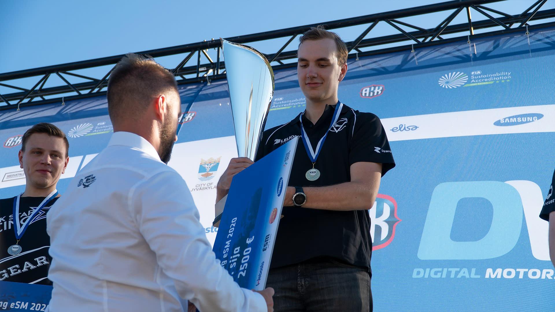 Tuomas Tähtelä Digital Racing eSM 2020 -tapahtumassa.