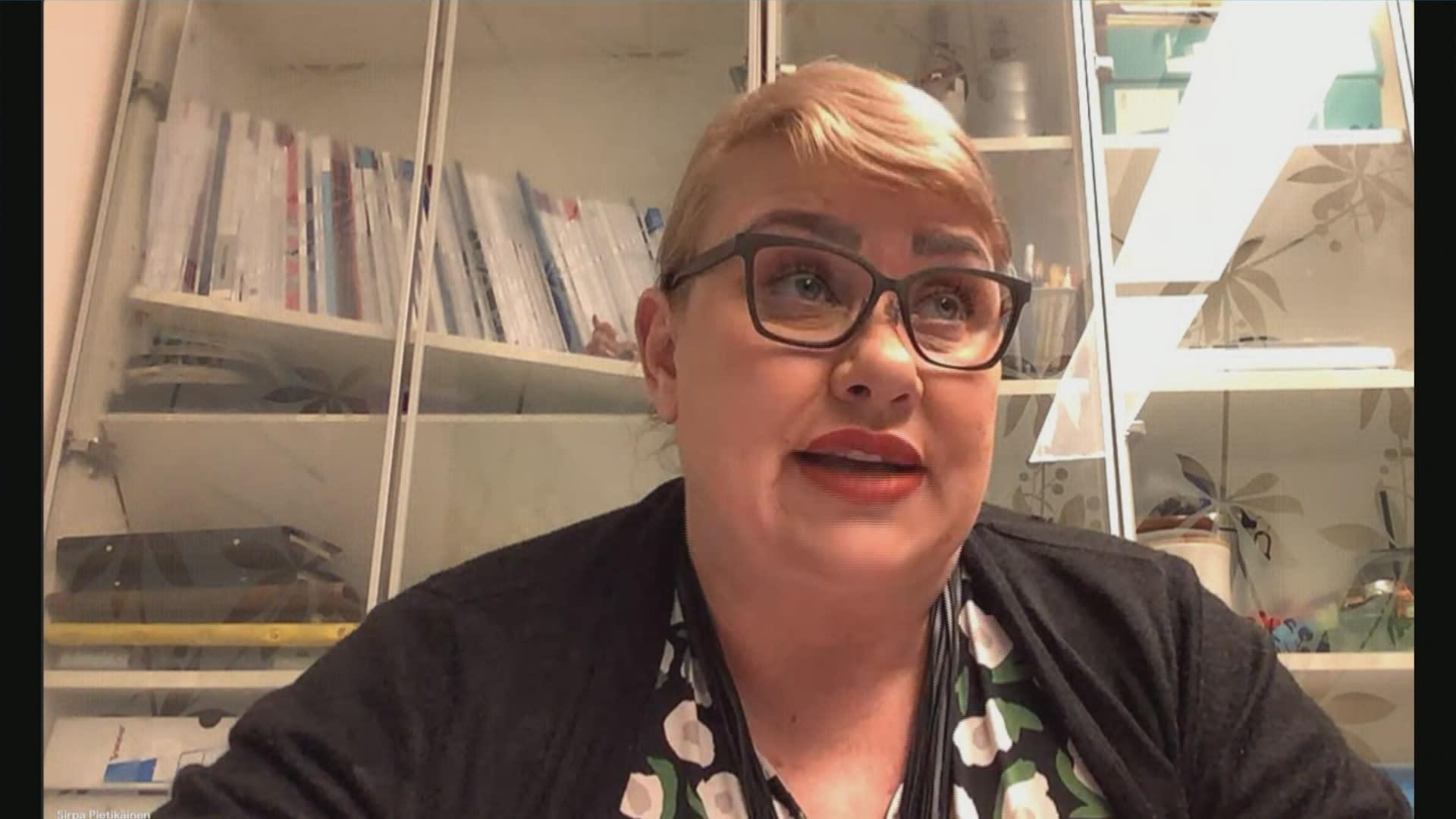 Europarlamentaarikko Sirpa Pietikäinen (kok.) kommentoi A-studiolle kartellitutkintaa.