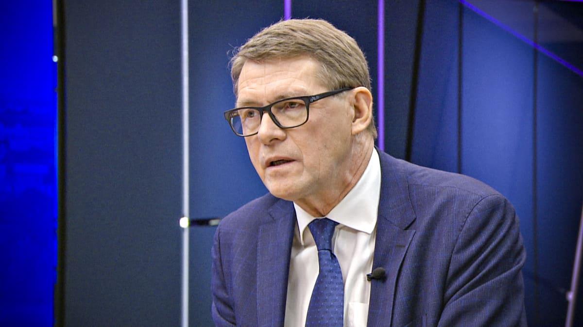 Matti Vanhanen Ylen Ykkösaamussa lauantaina 7. joulukuuta 2019.