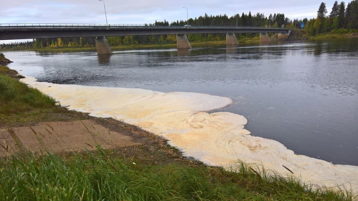 Muonionjoen vaahdosta löytyi runsaasti rautaa