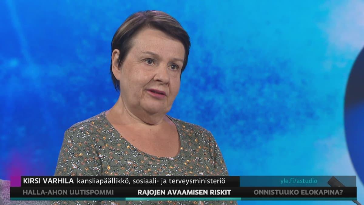STM:n Kirsi Varhila A-studiossa.