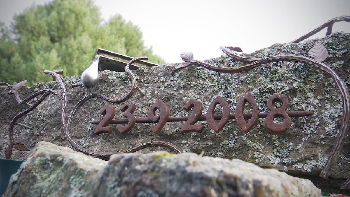 Minnesmärke över skolskjutningen i Kauhajoki.