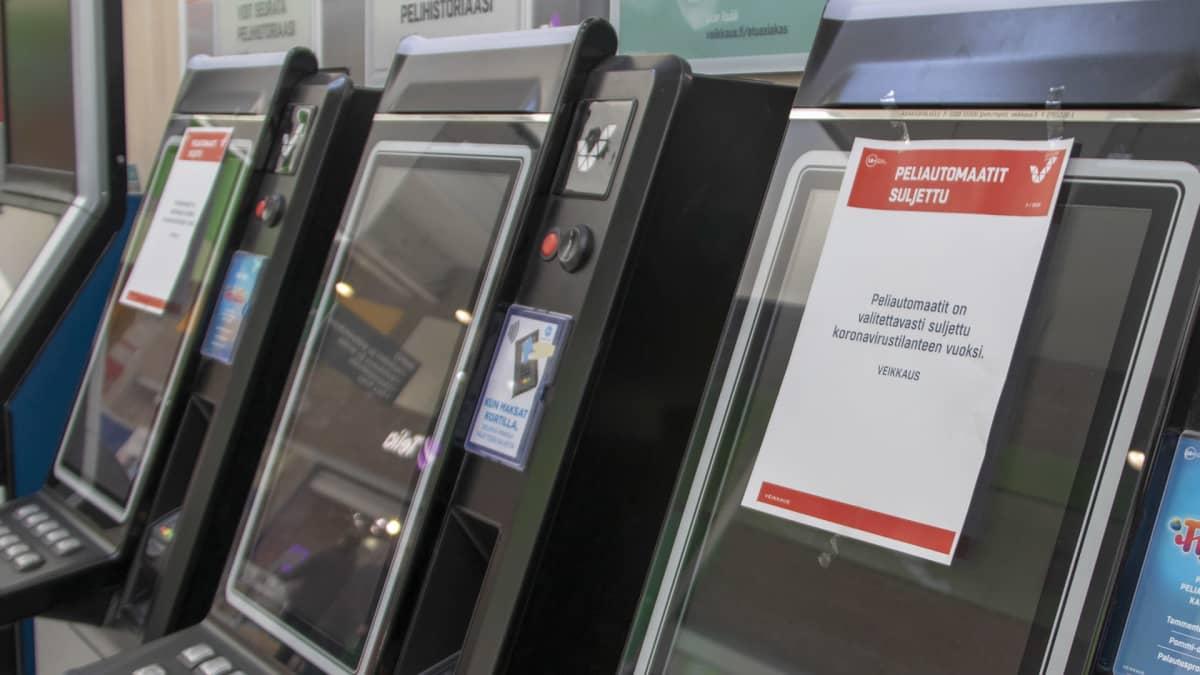peliautomaatissa tiedoite pelien sulkemisesta koronaviruksen vuoksi