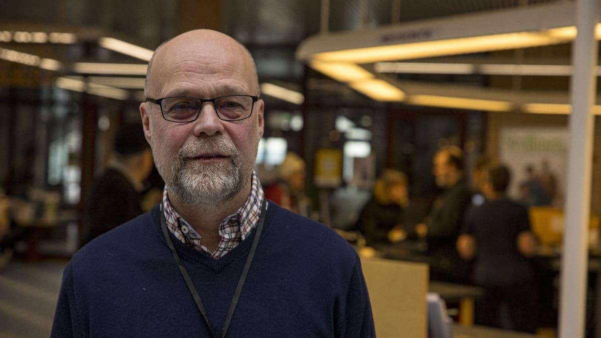 Kajaanin kirjaston johtaja Ari Koistinen.