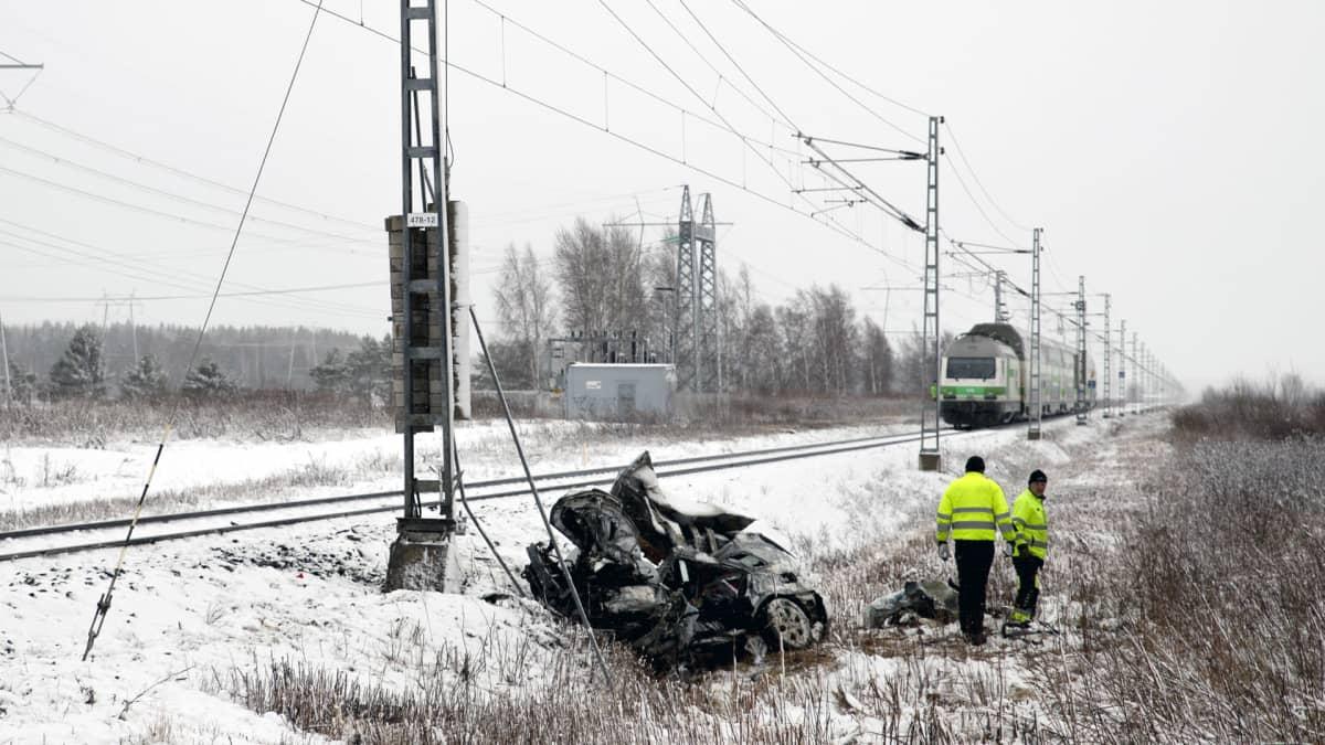 Junaonnettomuus Mustasaaren Tuovilassa 31.3.2020