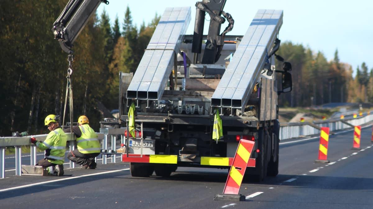 Kemi-Oulu moottoritien tietyömaa Simon kohdalla Maksniemessä