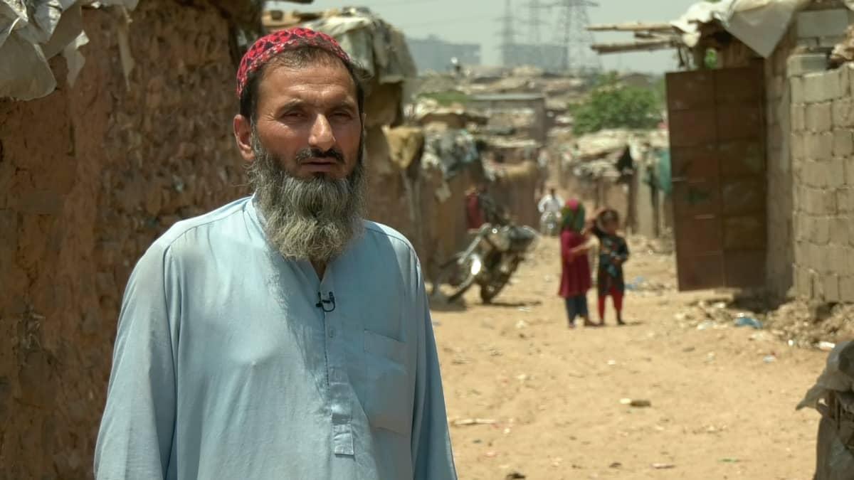 Gul Agha pakolaisleirillä Pakistanin Islamabadissa.