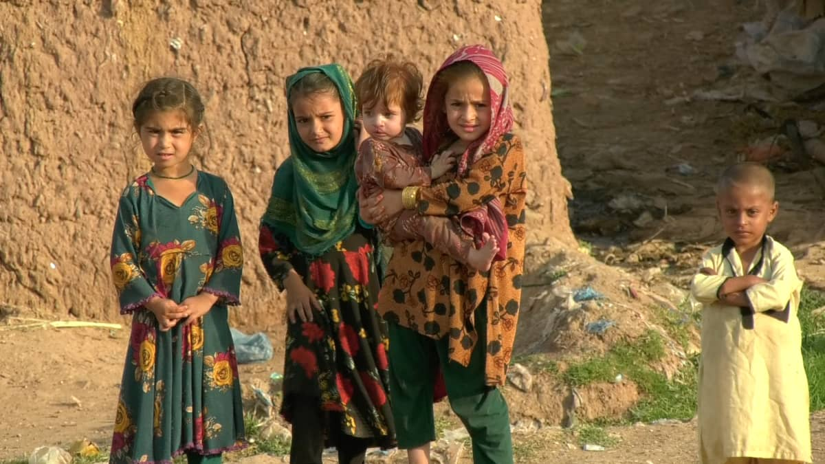 Lapsia pakolaisleirillä Pakistanin Islamabadissa.