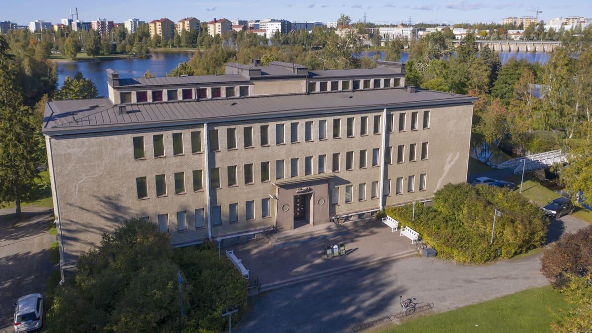 Ainolan talo Oulun Ainolanpuistossa
