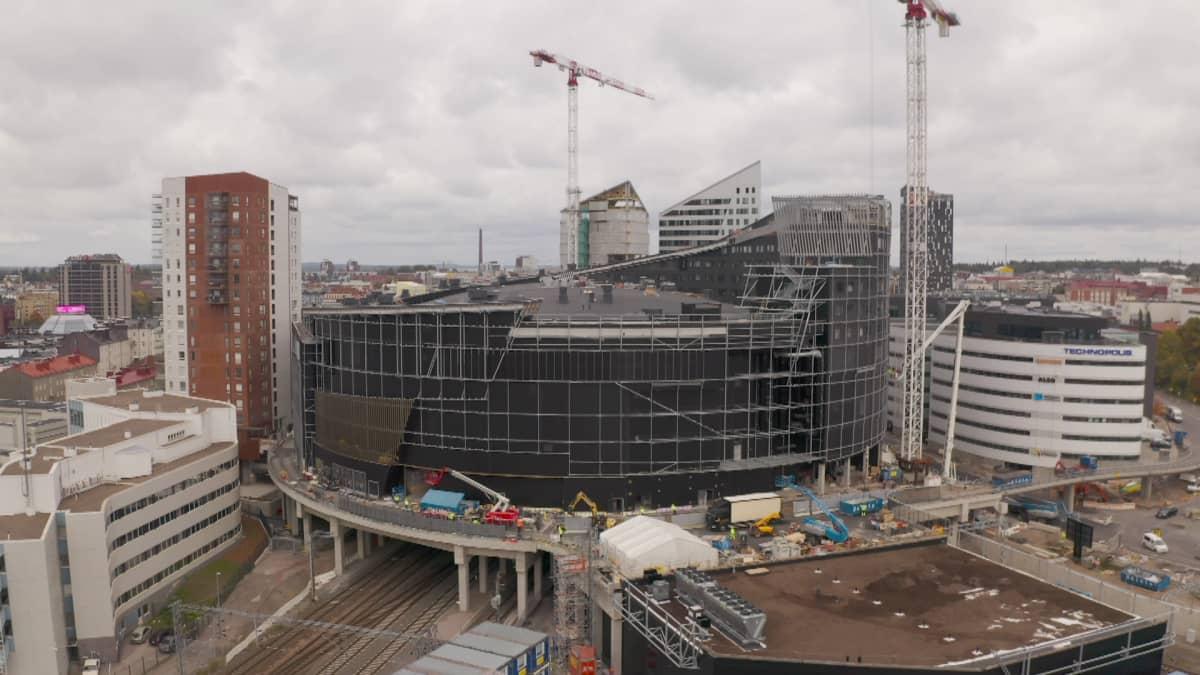 Tampereen areena ilmasta käsin, rakennustöitä vielä menossa.