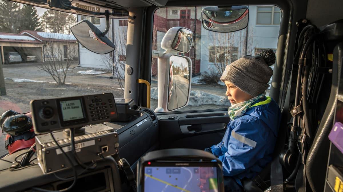 Kasper Poikela sai sammutusautolla kyydin kotiin