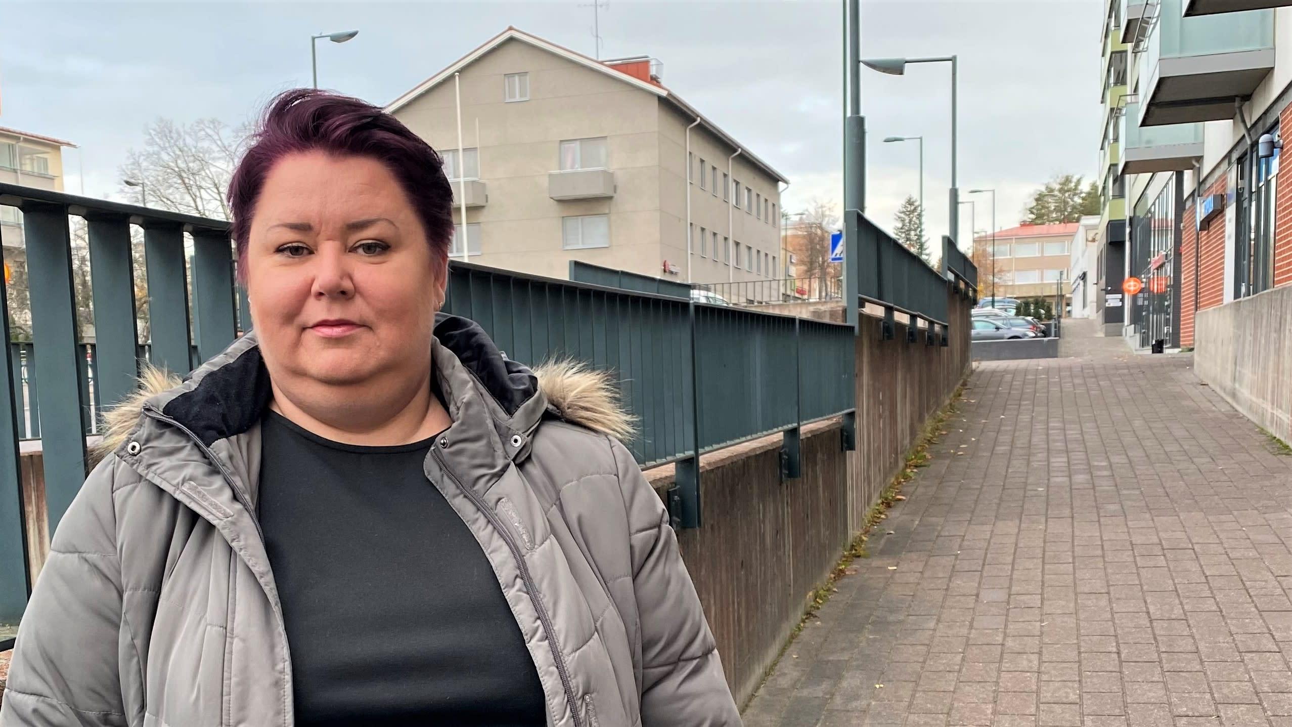 Finnkaraoke naisten yleisen sarjan 2021 voittanut imatralainen Pia Helveranta.