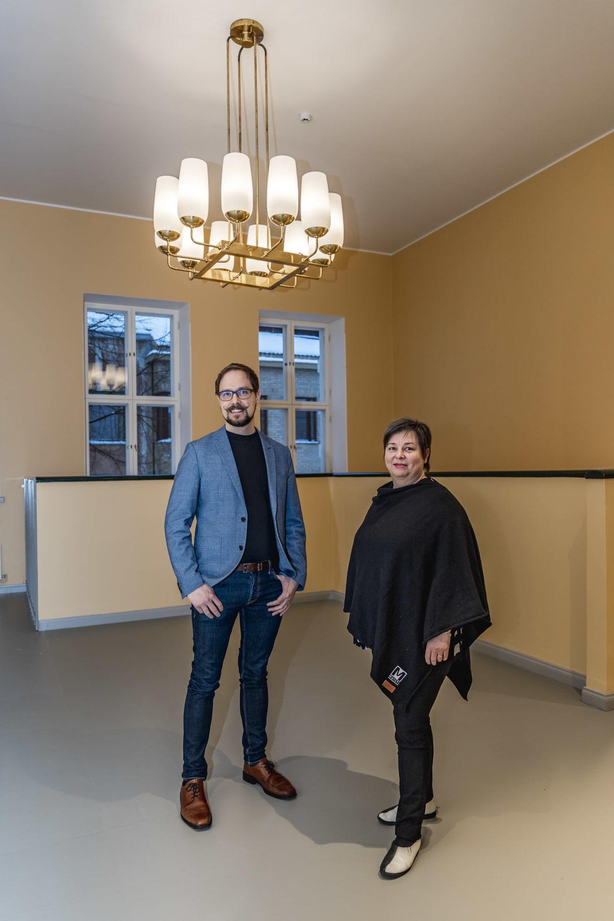 Olli-Pekka Leskinen ja Pia Puntanen.