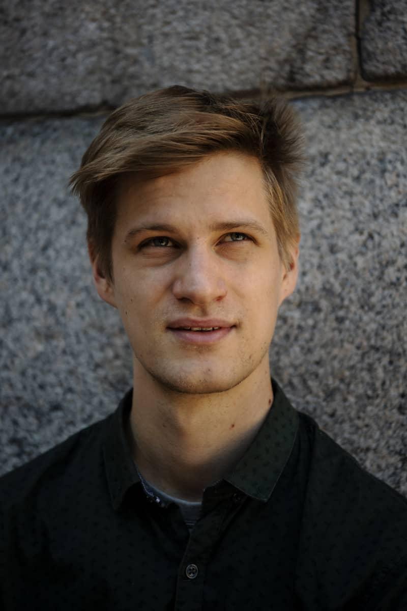 Pianisti Johannes Piirto kuvattiin Helsingin Ritarihuoneella heinäkuussa 2020.