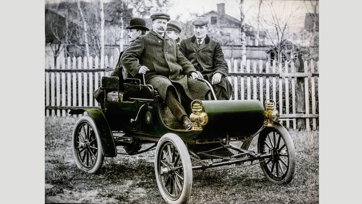 Jyväskylän ensimmäinen auto.