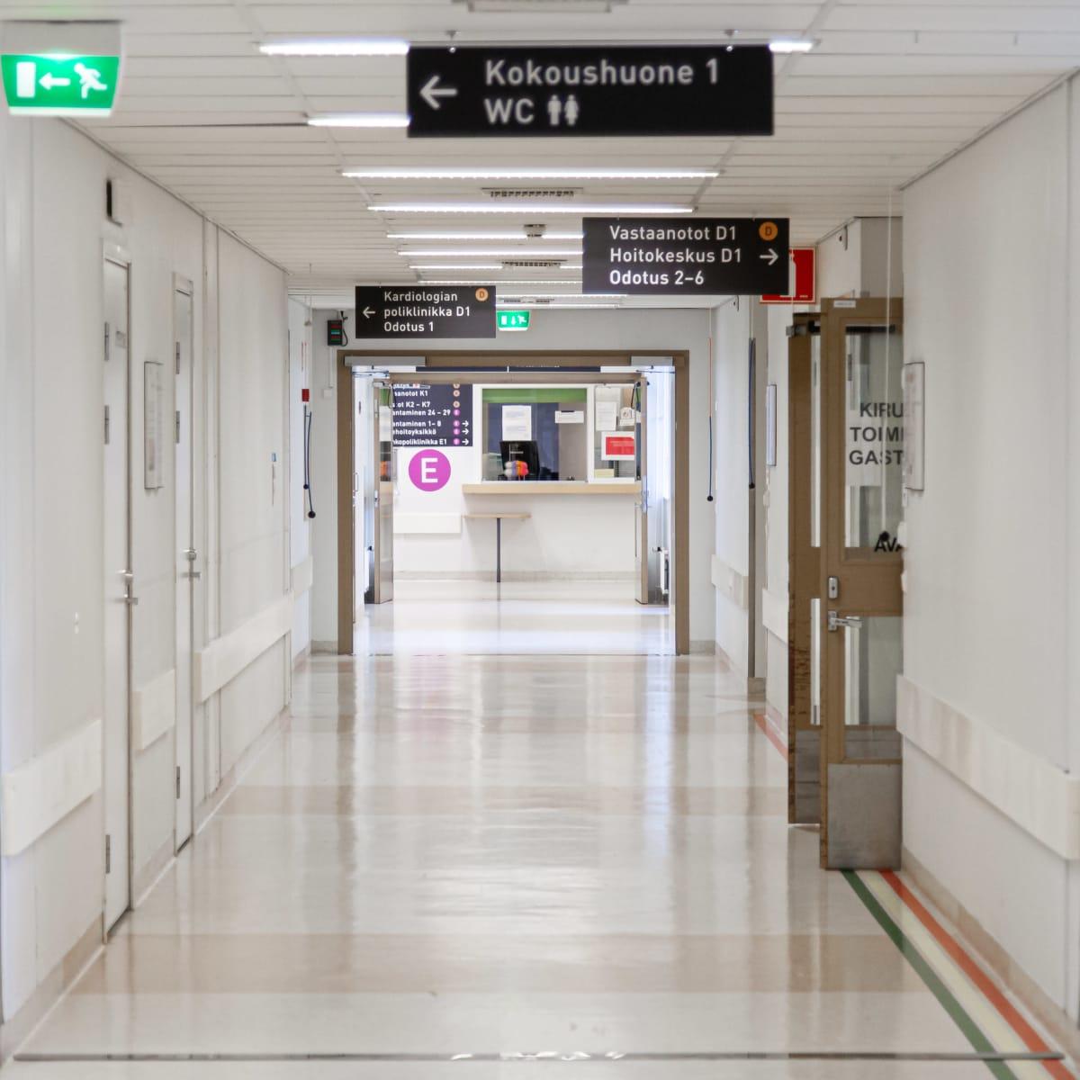 Etelä-Karjalan keskussairaalan kuvantamiseen johtava käytävä.