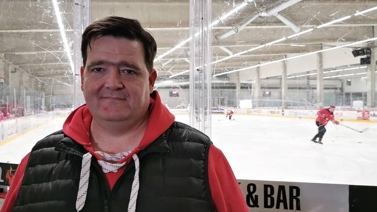 Vaasan Sportin junioreiden puheenjohtaja Juha-Petteri Lesonen