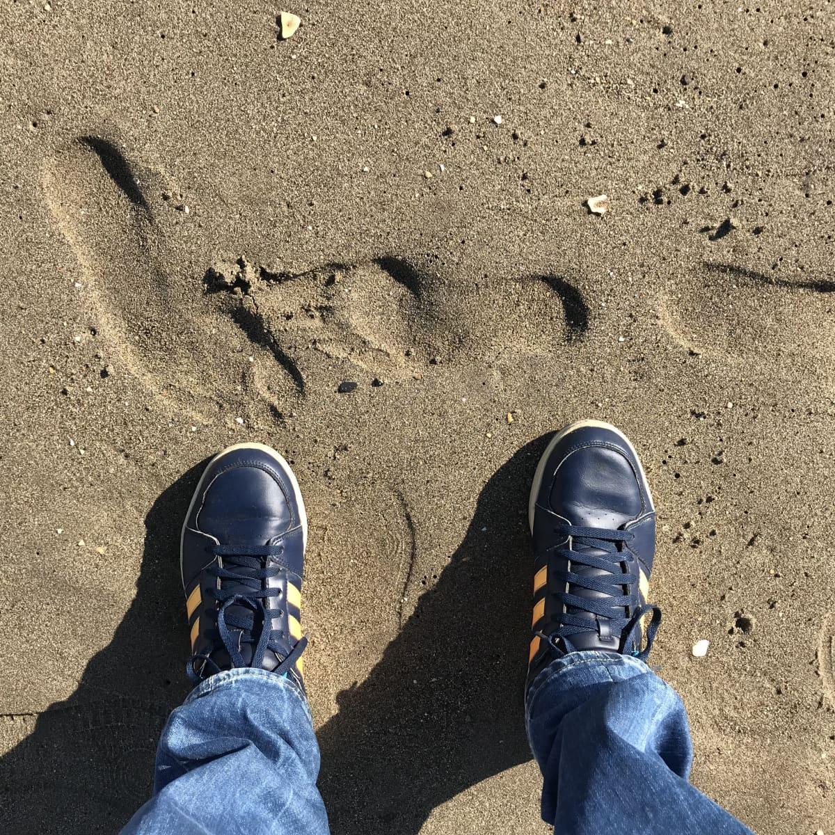 Sami Karjalainen rannalla