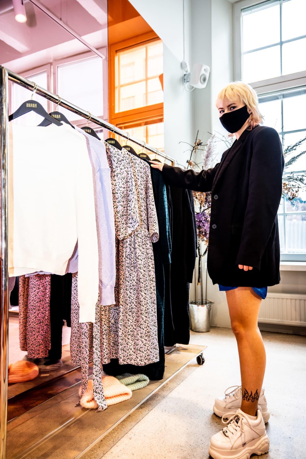 Milttonin showroomissa oli työskentelemässä associate Emma Kanko.