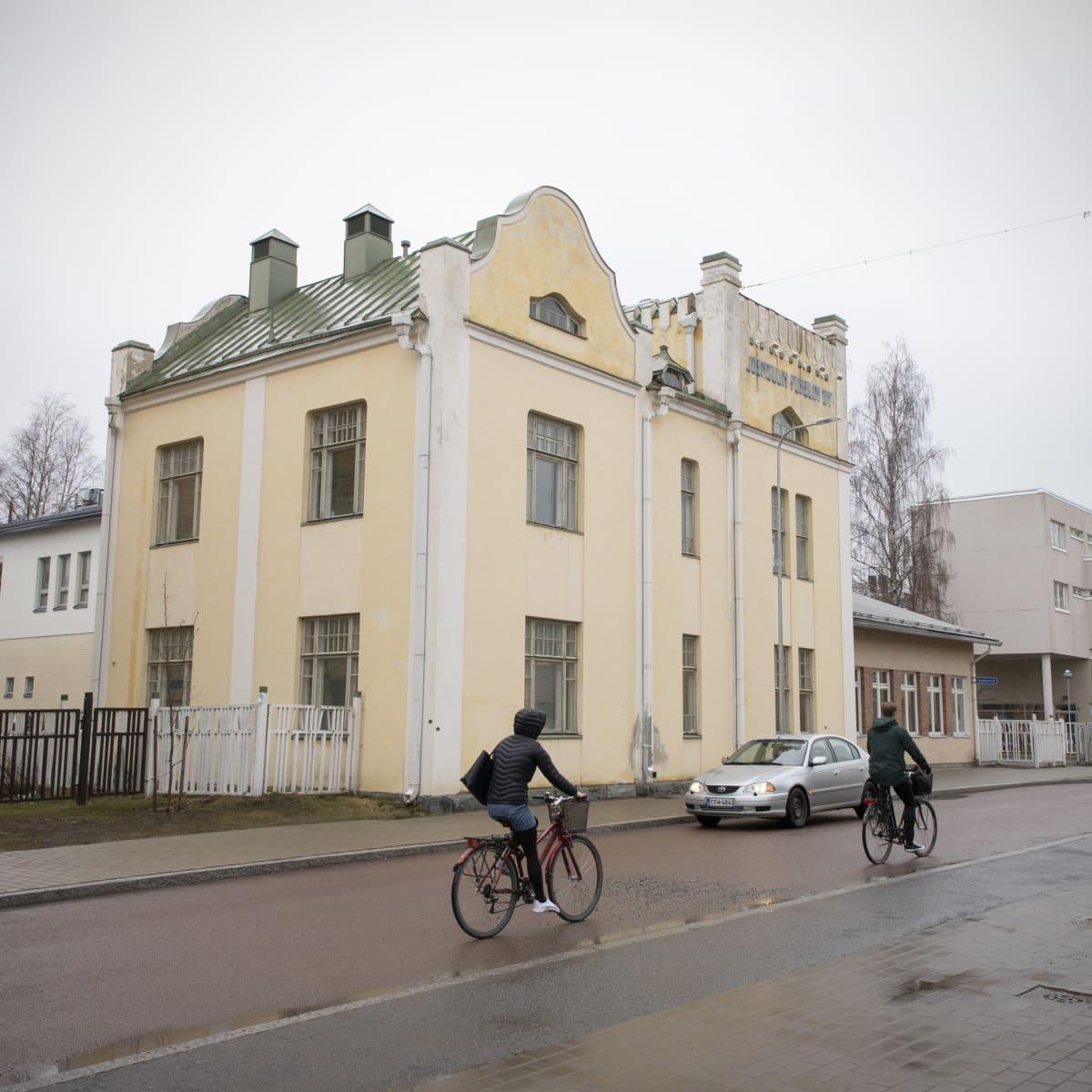 Joensuun Puhelimen vanha talo.
