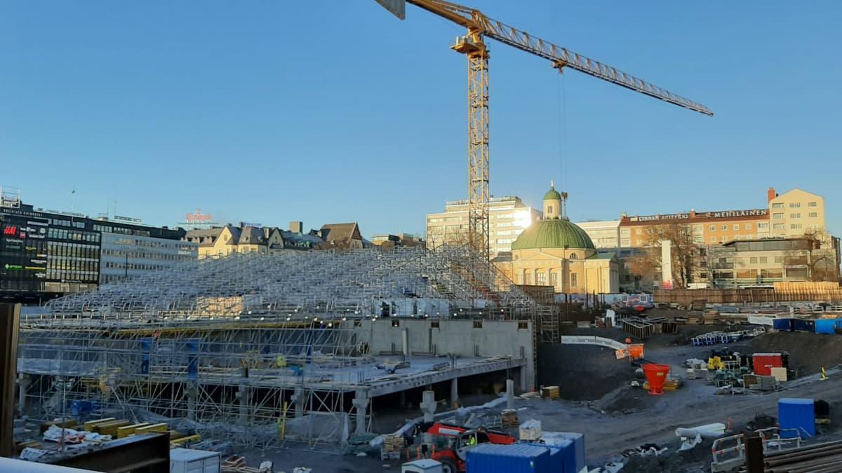 Parkeringen under Åbo salutorg byggs vintern 2020.