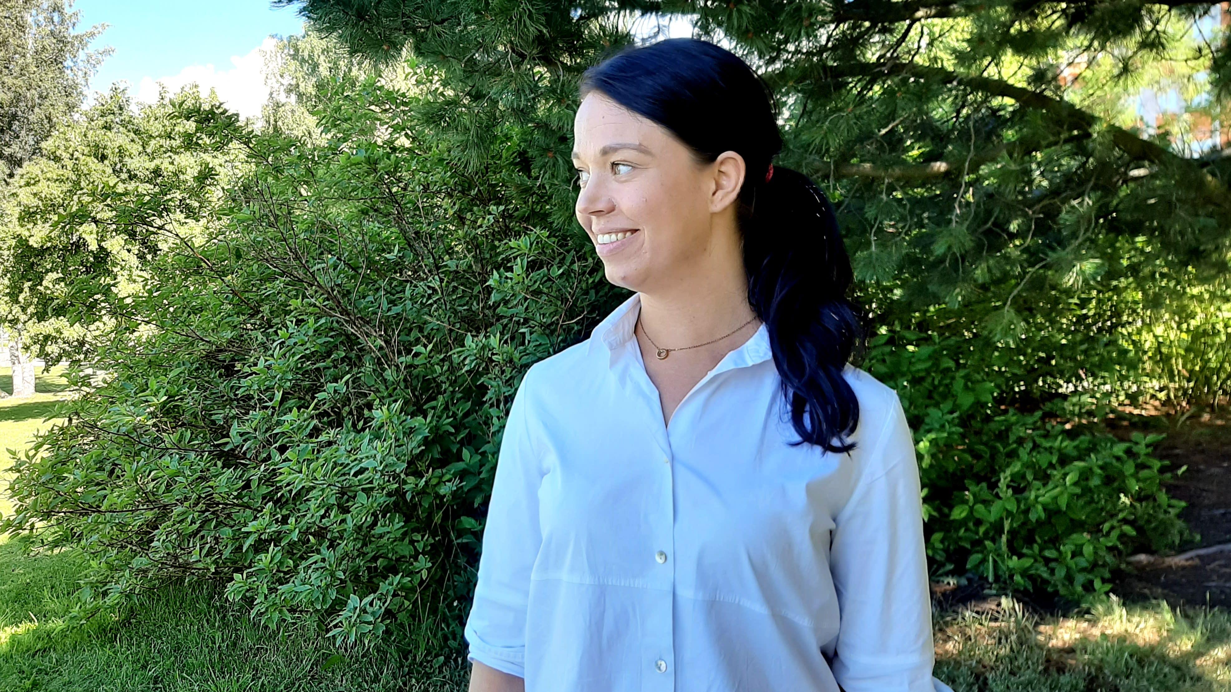 Jenni Parpala on uusi kesämökin omistaja