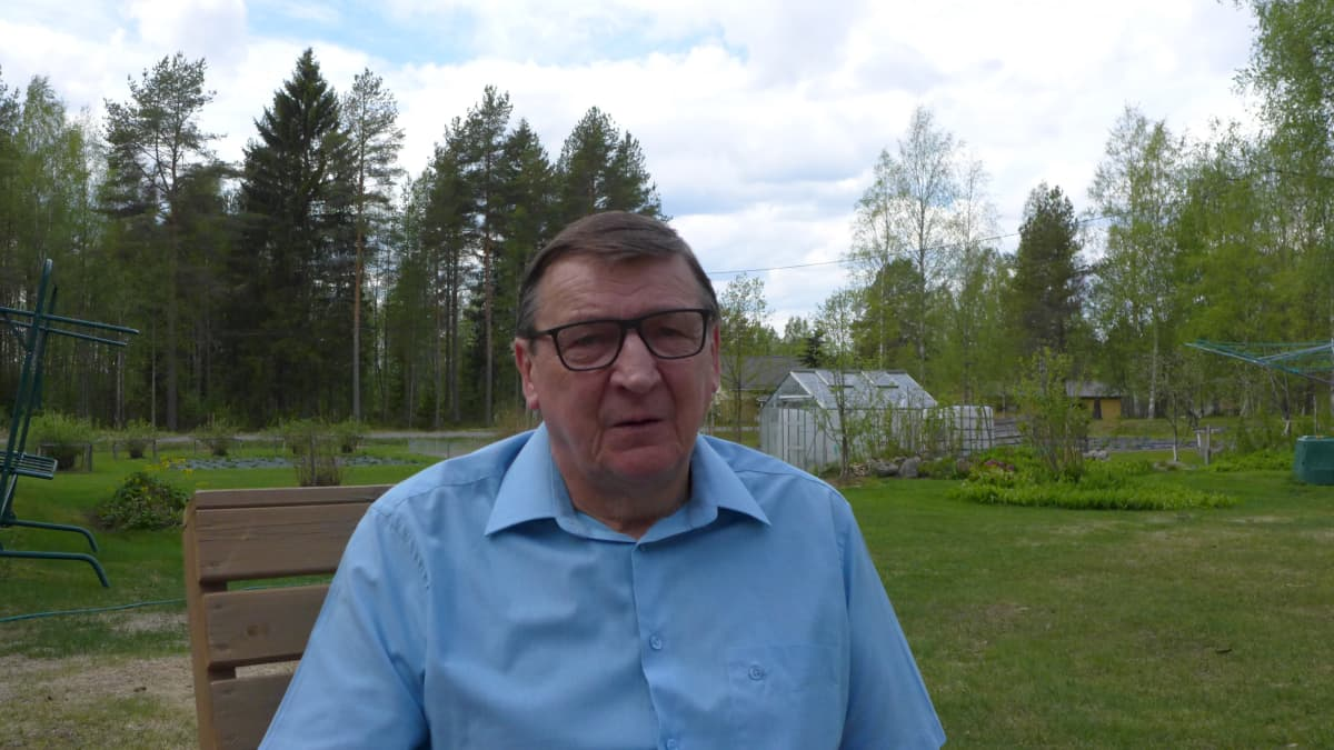 Raimo Vistbacka on nousemassa Alajärven valtuustoon kokoomuksen listoilta. Arkistokuva vuodelta 2017.