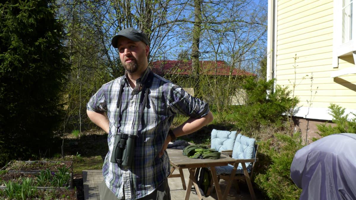 Erikoistutkija Kari Kaunisto, Turun yliopisto, kotipihallaan