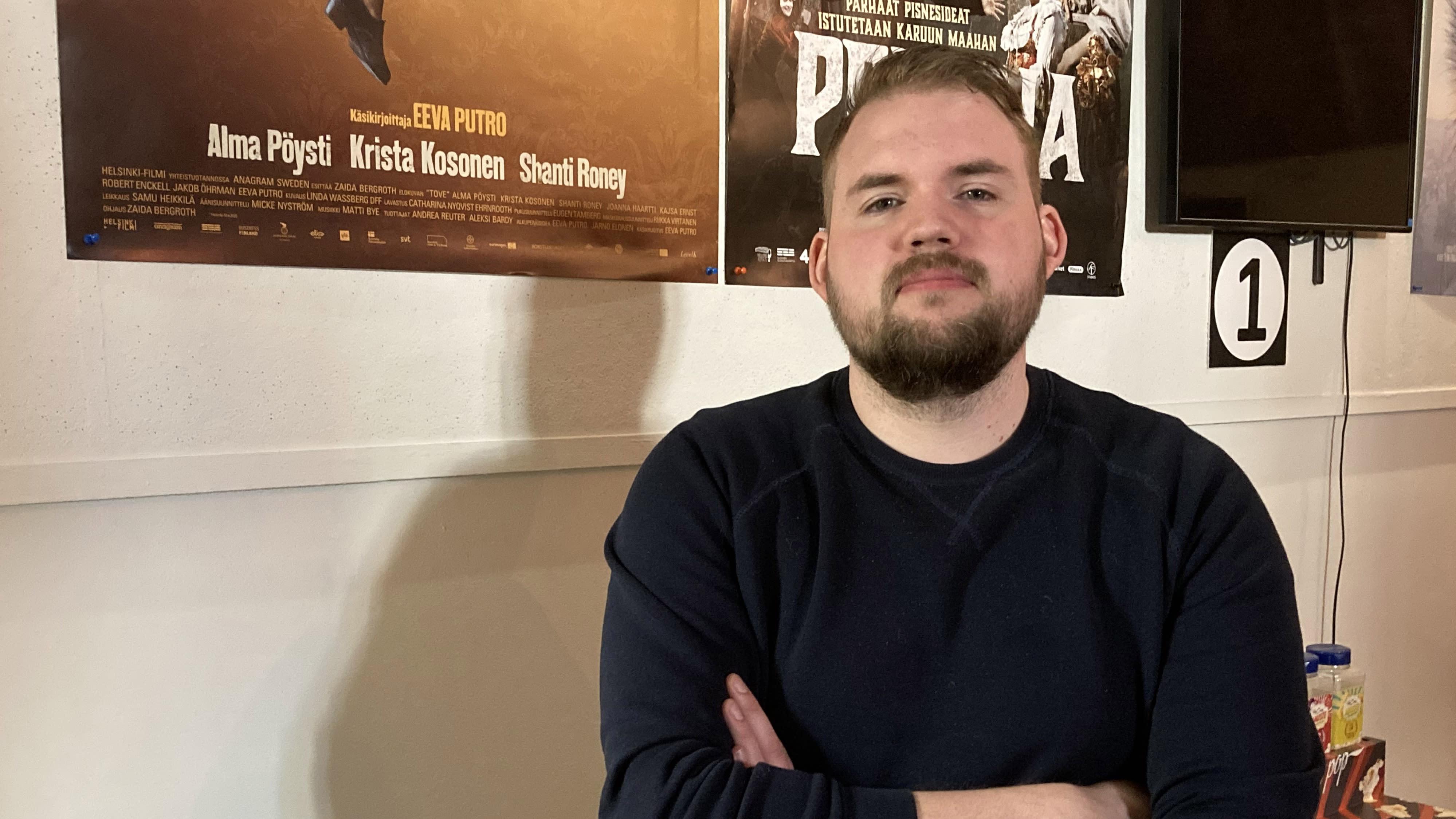 Kuvassa teatteripäällikkö Otto Löytynoja Bio Rexistä Kokkolasta