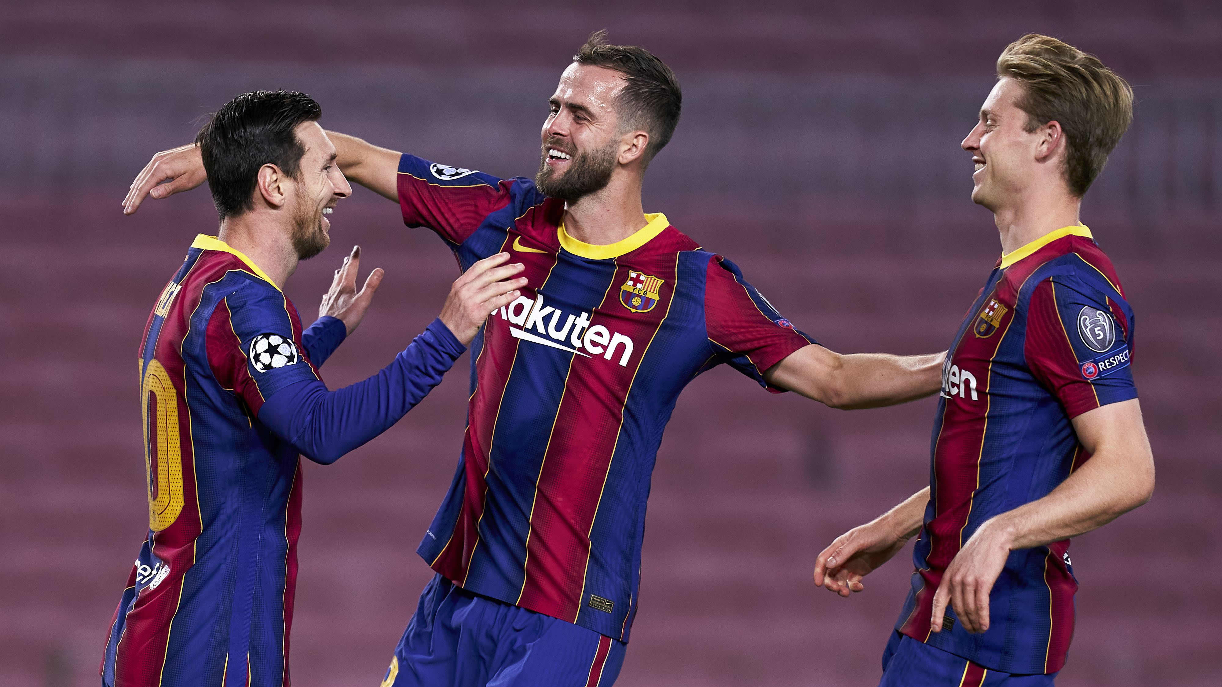 Barcelonan Lionel Messi, Frenkie de Jong ja Miralem Pjanic.