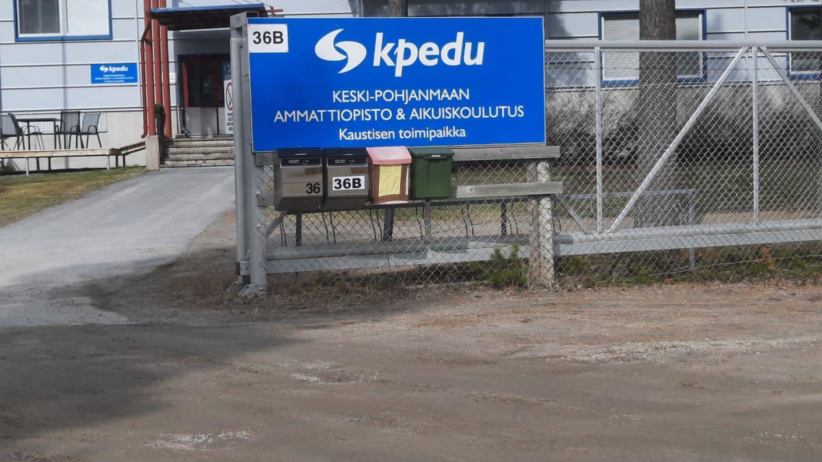 KPedun toimipaikan merkki Kaustisella Nikulassa
