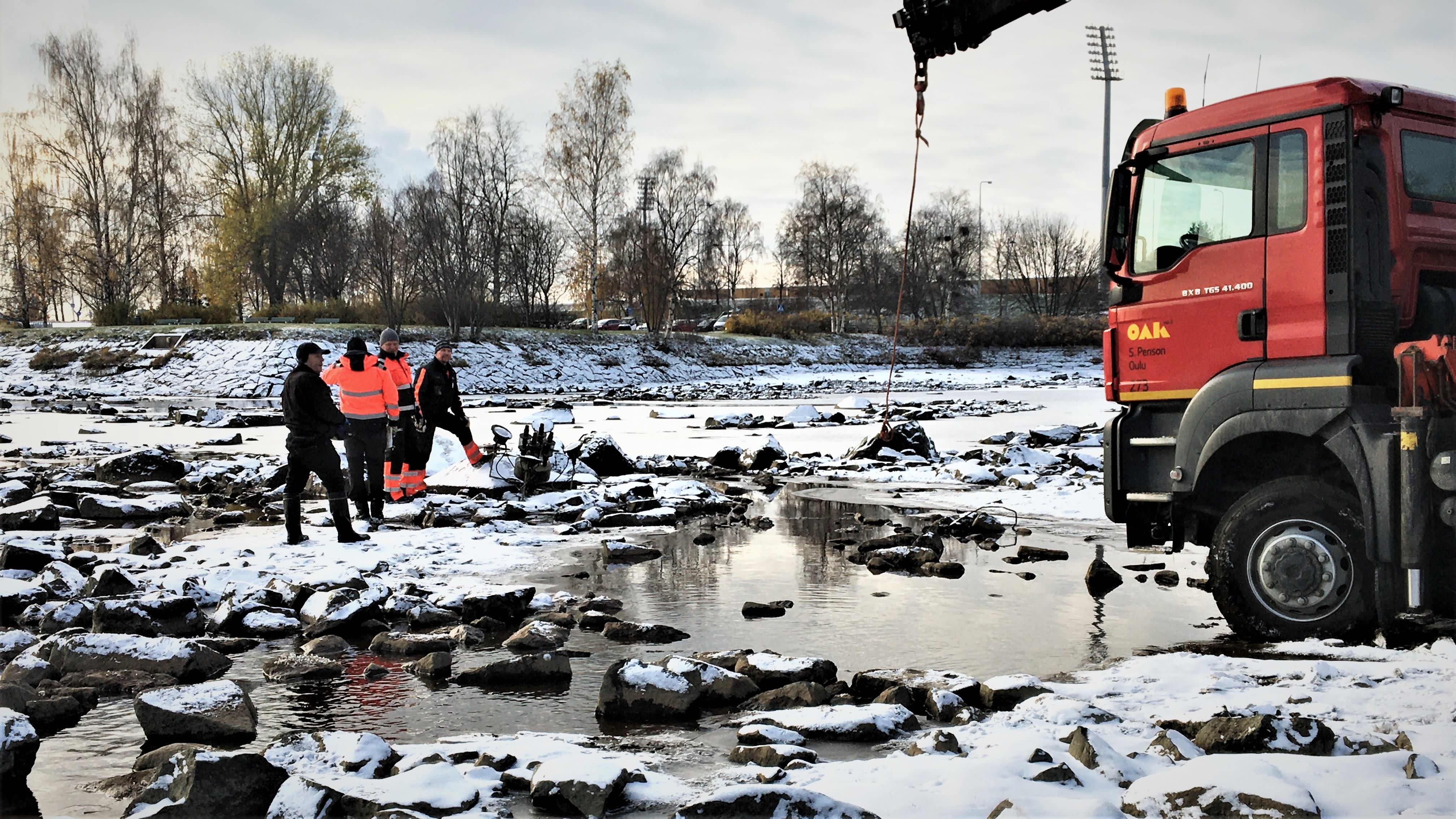 Oulun kauneusaltaan suihkulähteet otetaan syksyllä pois joesta.