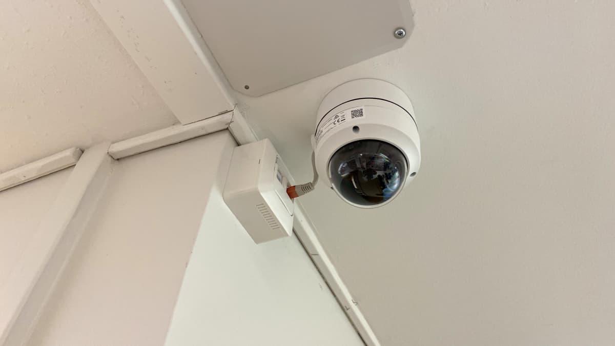 Kuvassa valvontakamera